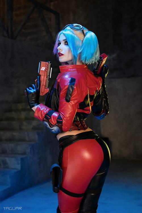 Irine-Meier-Harley-Quinn-3.jpg