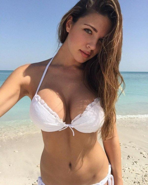Jenny Gupta is an Individual Kolkata escorts based girl who is passionate about her modeling. She is an interested in travel, fashion show and sports. View More : http://www.jennygupta.com Jenny Gupta Call and Whatsapp: +91-9830414129