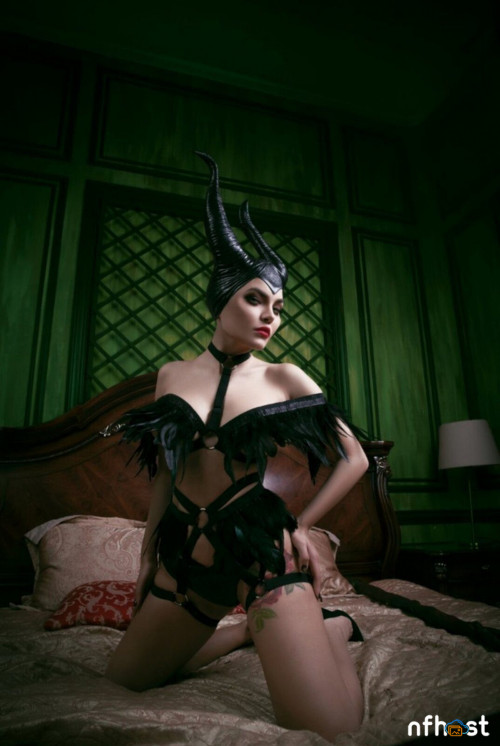 Kalinka-Fox-Naked-Maleficent-2.jpg