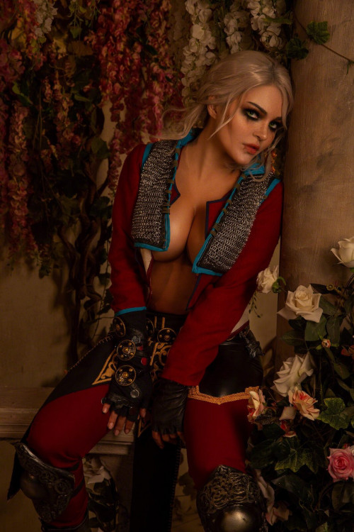 Kalinka Fox Naked Ciri (2)