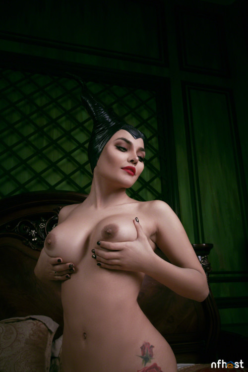 Kalinka Fox Maleficent (39)