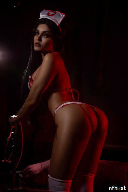 Kalinka Fox Nurse (30)