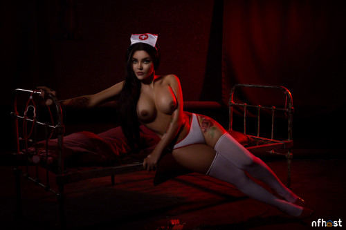 Kalinka Fox Nurse (33)