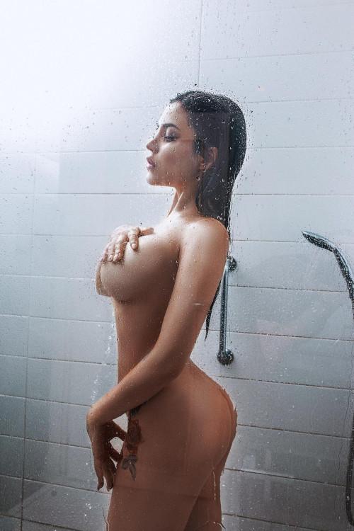 Kalinka Fox Shower 12