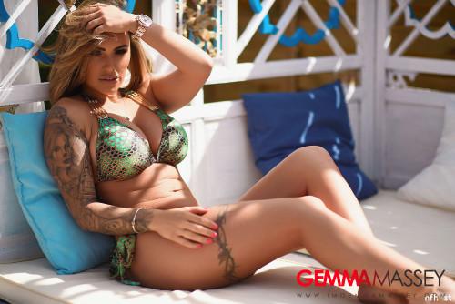 Gemma-Massey-In-Beautiful-Green-Bikini-14.jpg