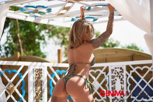 Gemma-Massey-In-Beautiful-Green-Bikini-34.jpg