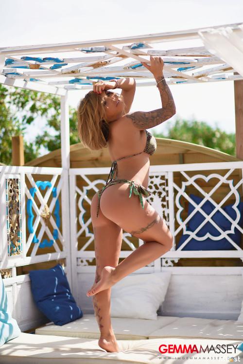 Gemma-Massey-In-Beautiful-Green-Bikini-43.jpg