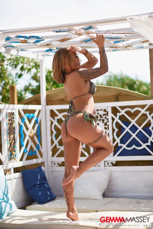 Gemma-Massey-In-Beautiful-Green-Bikini-44.jpg