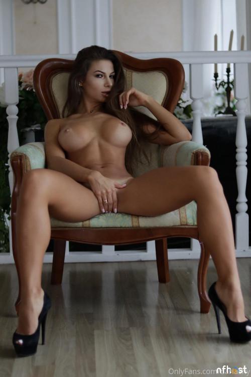 Daria Shy nude (15)