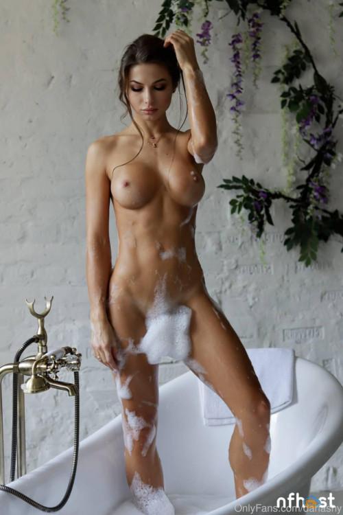 Daria Shy nude (24)