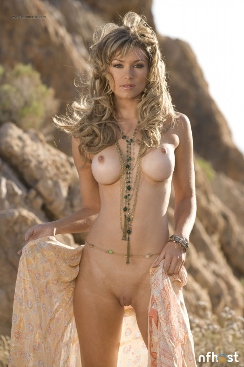 Heather-Vandeven---Desert-Babe-1.jpg