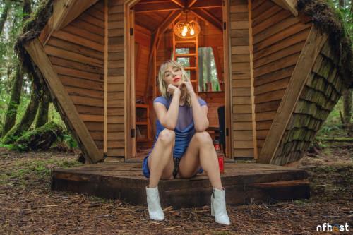 Sara Underwood in blue (5)