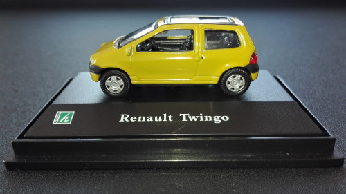 Twingo-1of3.jpg