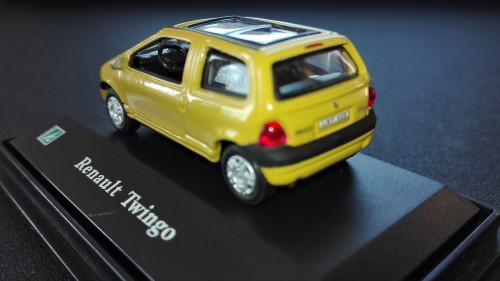 Twingo-3of3.jpg