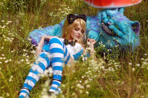 Kalinka-Fox-as-Alice-in-Wonderland-10.jpg