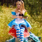 Kalinka-Fox-as-Alice-in-Wonderland-6