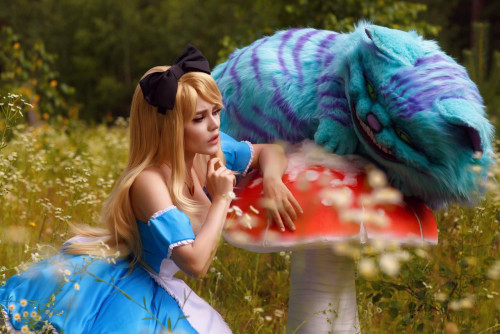 Kalinka-Fox-as-Alice-in-Wonderland-8.jpg