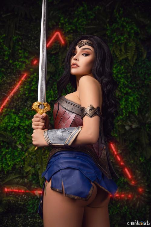 Kalinka Fox Wonder Woman (3)
