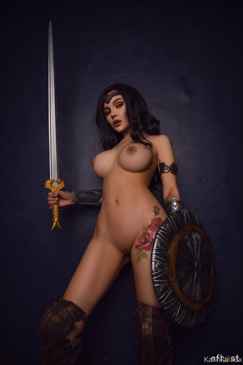 Kalinka Fox Wonder Woman (8)