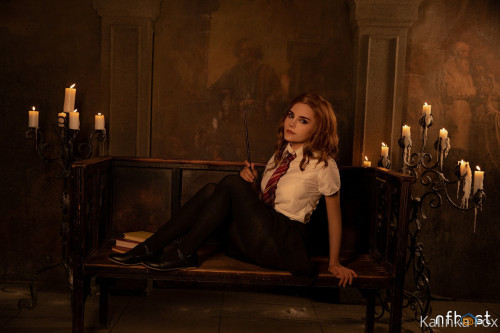 Kalinka Fox Hermione Naked (1)