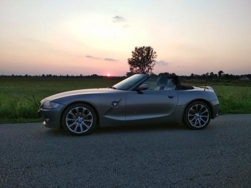 BMWZ4.jpg