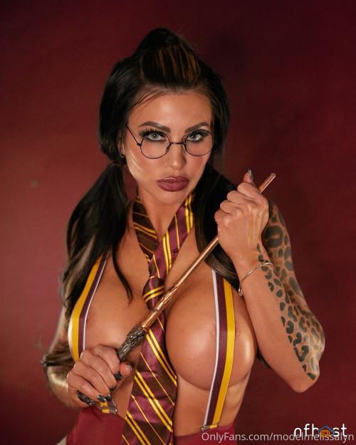 Melissa-Lynn---Harry-Potter-cosplay-3.jpg