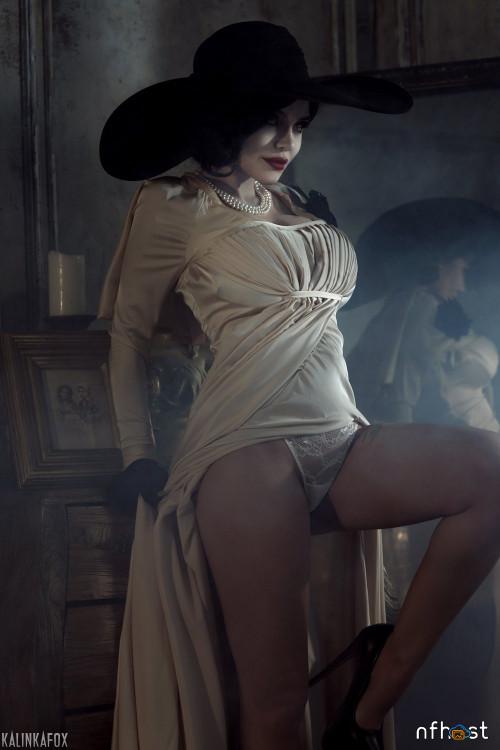 Kalinka-Fox---Lady-Dimitrescu-1.jpg