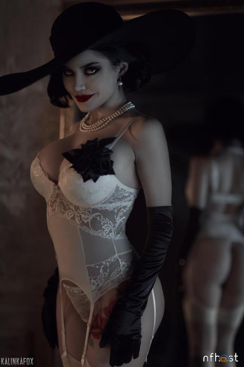 Kalinka-Fox---Lady-Dimitrescu-1.png