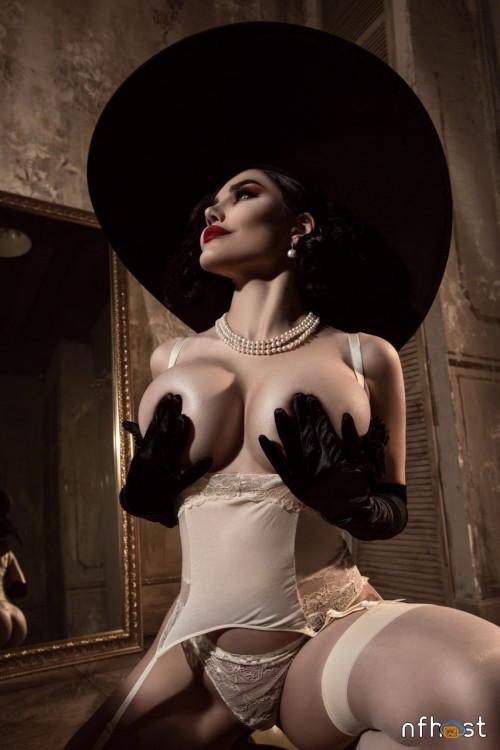 Kalinka-Fox---Lady-Dimitrescu-15.jpg
