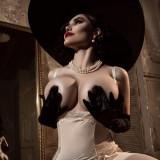 Kalinka-Fox---Lady-Dimitrescu-15