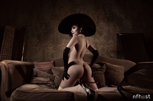 Kalinka-Fox---Lady-Dimitrescu-16.jpg