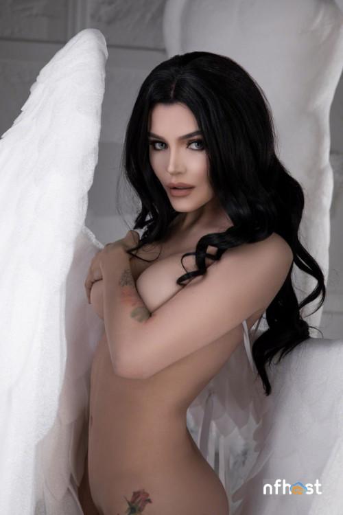 Kalinka-Fox---Angel-25469a8c0b2b90aa2e.jpg